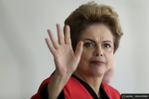 Brazil's President Dilma Rousseff gestures during a Summit of Heads of State of MERCOSUR and Associated States and 44th Meeting of the Common Market Council in Brasilia, July 17, 2015. REUTERS/Ueslei Marcelino